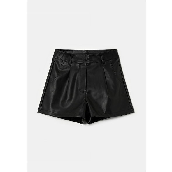High Waist Shorts aus Kunstleder